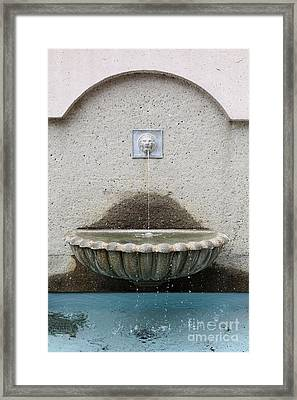 San Francisco Crocker Galleria Roof Garden Fountain - 5d17895 Framed Print by Wingsdomain Art and Photography