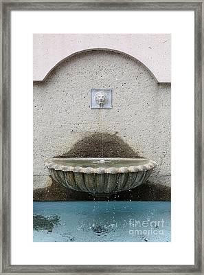 San Francisco Crocker Galleria Roof Garden Fountain - 5d17895 Framed Print