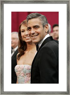Sarah Larson And George Clooney Framed Print by Everett