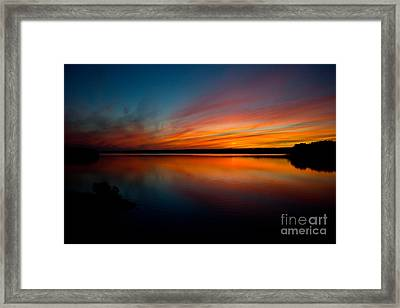 Saying Goodnight Framed Print