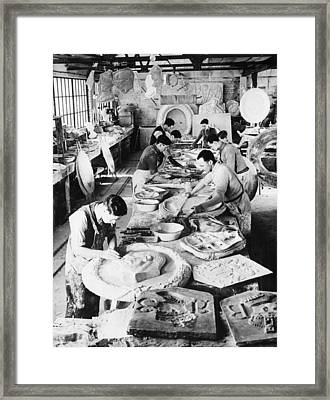 Sculptors Making Images Of King George Framed Print by Everett