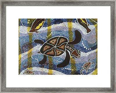 Sea Turtle Framed Print by Pat Saunders-White