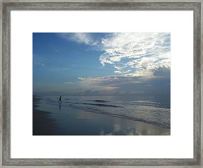 Framed Print featuring the photograph Searching by Sheila Silverstein