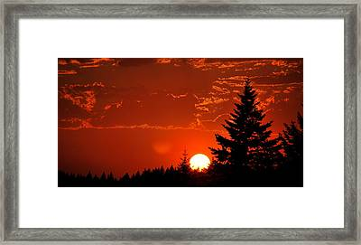 Setting Low Framed Print