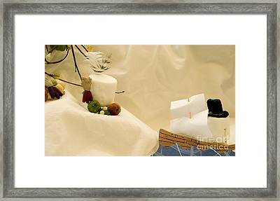 Sharing Is Sweet Framed Print by Heather Applegate