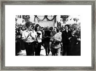 Shirley Maclaine, Teng Ying-chao Framed Print by Everett