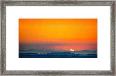 Smokie Sunrise Framed Print by Steven Llorca