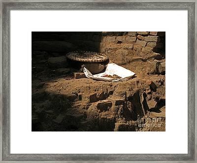 Solitary Feast Framed Print by Louise Peardon
