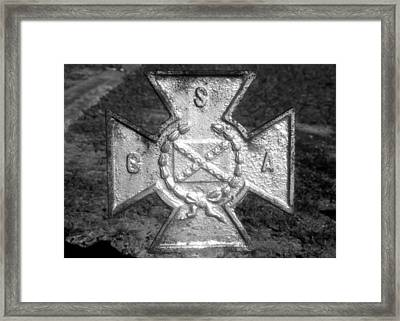 Southern Cross Of Honor Framed Print by David Lee Thompson