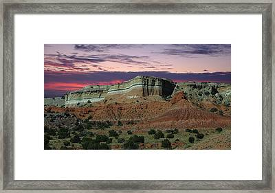 Framed Print featuring the photograph Southwestern Sunset by Renee Hardison