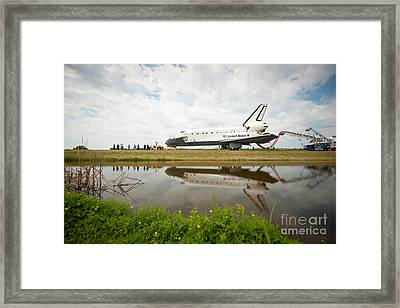 Space Shuttle Atlantis Framed Print by NASA/Science Source