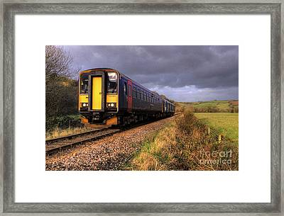Sprinters At Scoop Framed Print by Rob Hawkins