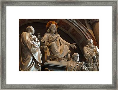 St Peters Statuary Framed Print by Bob Christopher