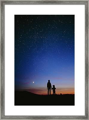 Starry Sky And Stargazers Framed Print by David Nunuk