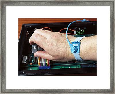 Static Protection Device In Use Framed Print by Andrew Lambert Photography