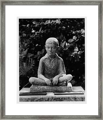 Statue Of Louis Braille In Bermudas Framed Print by Everett