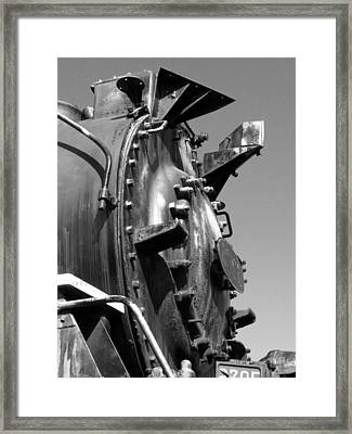 Framed Print featuring the photograph Steme Engine Front Black And White by Darleen Stry