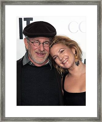 Steven Spielberg, Drew Barrymore Framed Print by Everett