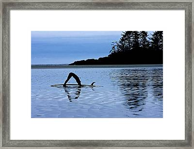 Framed Print featuring the photograph Stretching by Scott Holmes