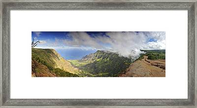 Stunning Panorama Of The Napali Coast In Kauaii Framed Print