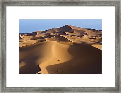 Sunrise In The Erg Chebbi Dunes At Merzouga, Algerian Border, Morocco Framed Print by Rob Henderson