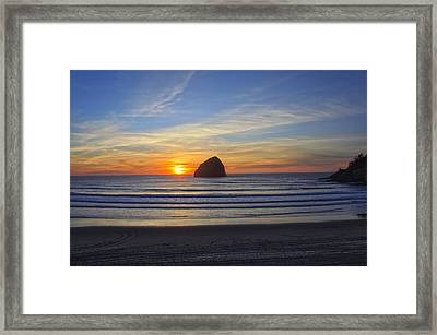 Sunset At Cape Kiwanda Oregon Framed Print