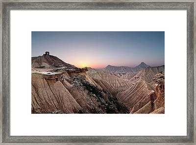 Sunset At Desert Framed Print by Inigo Cia
