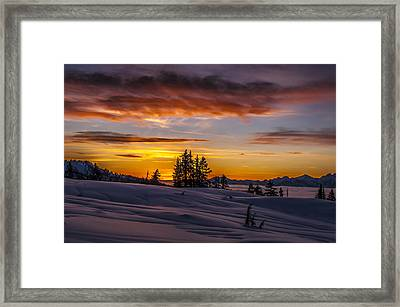 Sunset On The Tantalus Framed Print by Ian Stotesbury