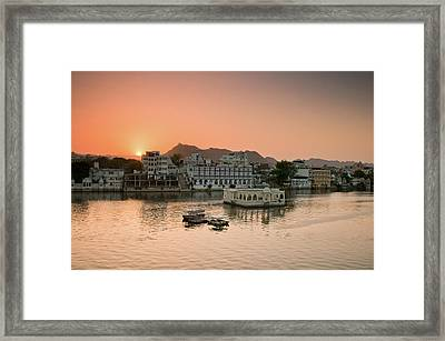 Sunset Over Pichola Lake In Udaipur. Framed Print by Ania Blazejewska