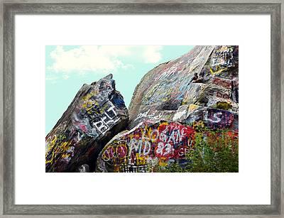 Talking Rocks And Sky Framed Print by Susan Leggett