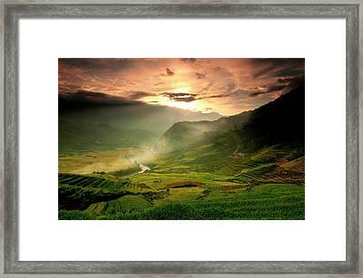 Tavarn Village Framed Print by Mattypok