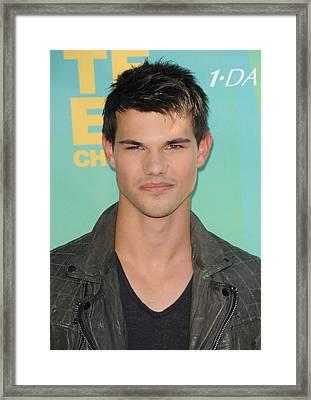 Taylor Lautner At Arrivals For 2011 Framed Print by Everett