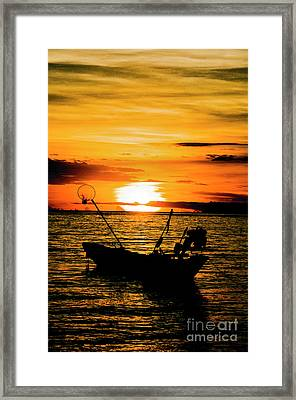 Thai Sunset Framed Print by Inhar Mutiozabal