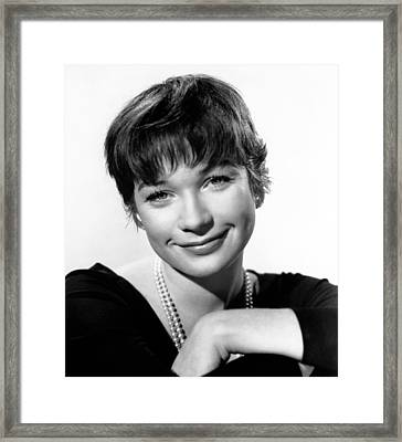 The Apartment, Shirley Maclaine, 1960 Framed Print by Everett