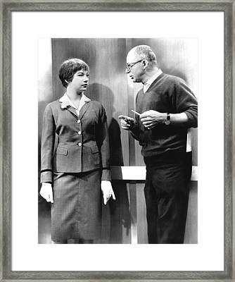 The Apartment, Shirley Maclaine Framed Print by Everett