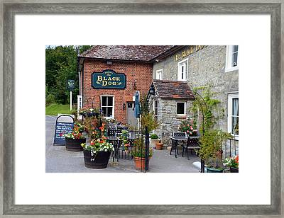 The Black Dog Pub Framed Print by Carla Parris