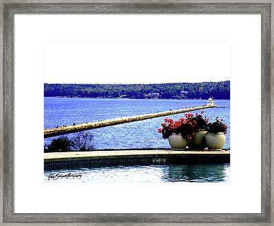 The Breakwater And Strollers Framed Print by Ruth Bodycott