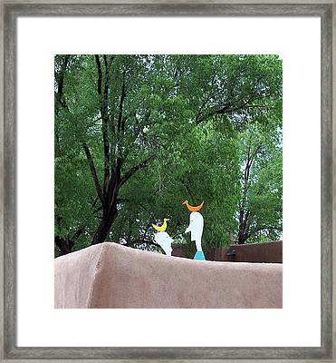 The Conversation Framed Print by Susan Alvaro