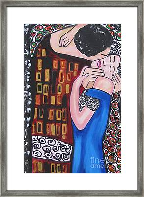 The Kiss Framed Print by Diana Riukas