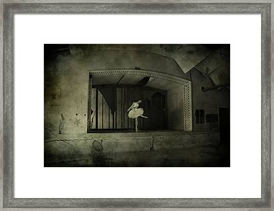 The Last Song  Framed Print by Jerry Cordeiro