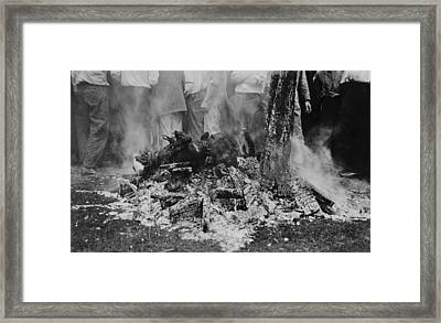 The Lynching Of Jesse Washington Framed Print by Everett