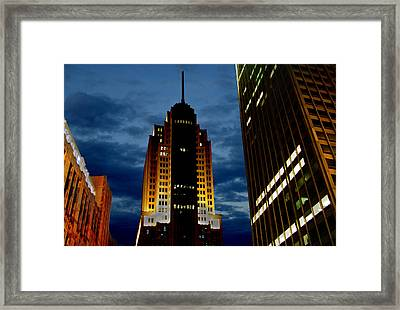 The Nbc Tower In Chicago Framed Print by Paul Taylor