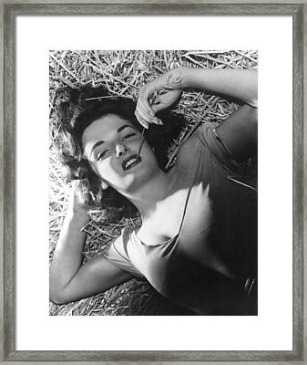 The Outlaw, Jane Russell, 1943, Photo Framed Print by Everett