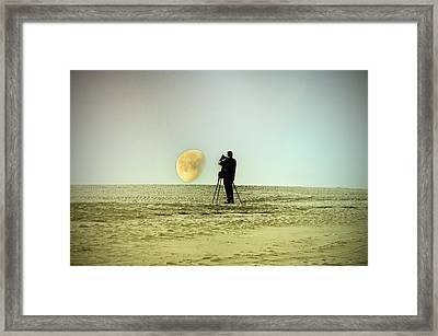 The Photographer Framed Print by Bill Cannon