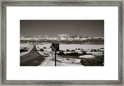 Framed Print featuring the photograph The Road Home by Eric Tressler