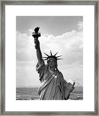 The Statue Of Liberty Framed Print by Underwood Archives