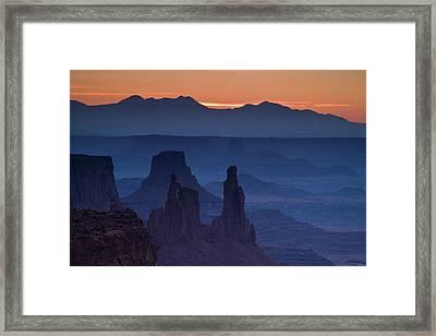 Through Mesa Arch Framed Print by Andrew Soundarajan