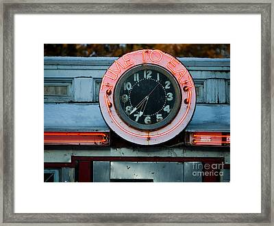 Time To Eat Framed Print by Edward Fielding