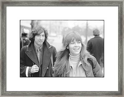 Tom Hayden And Jane Fonda Framed Print by Jan W Faul
