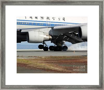 Framed Print featuring the photograph Touchdown by Alex Esguerra